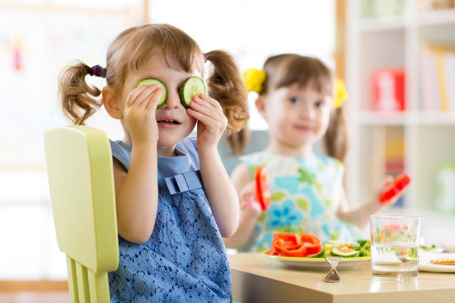 Bambini-e-cibo-cause-e-rimedi-per-linappetenza-infantile-in-evidenza.jpg