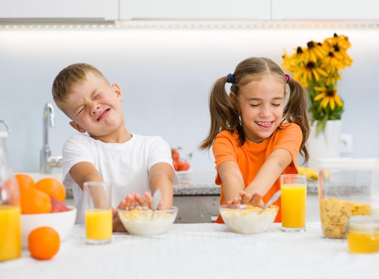 Bambini-e-cibo-cause-e-rimedi-per-linappetenza-infantile.jpg